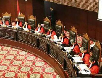 Astagfirullah, Kenapa Kalian Caci Maki dan Fitnah Hakim MK terkait Keputusan LGBT?
